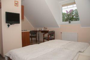 Pokój dwuosobowy w pensjonacie Fala w Rowach