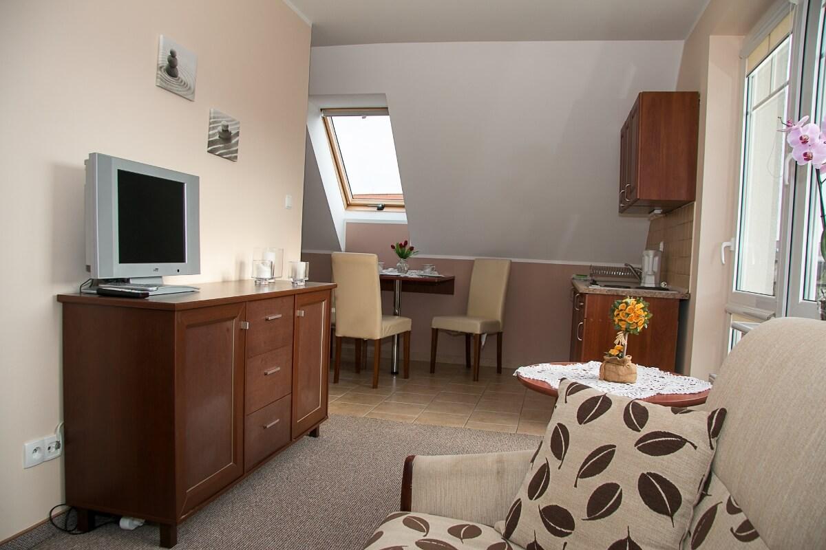Pokój trzyosobowy - pensjonat Fala w Rowach